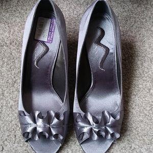 Nina peep toe pumps